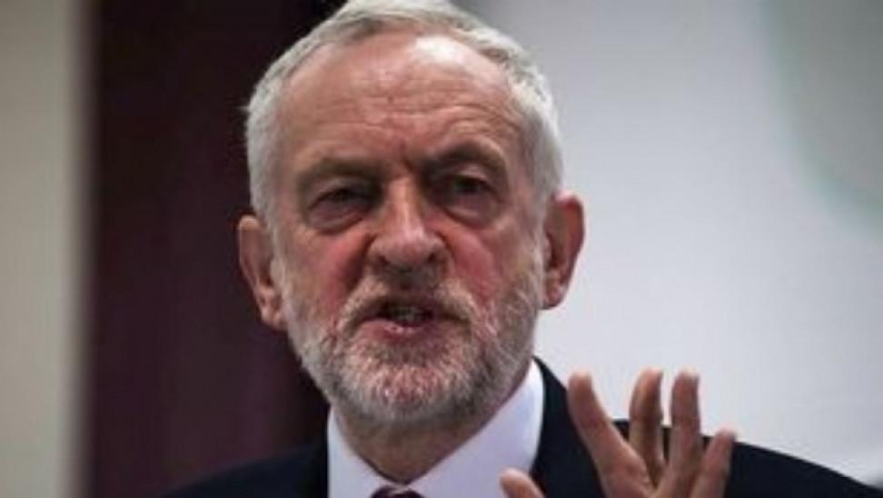 Βρετανία: Εκτός κοινοβουλευτικής ομάδας των Εργατικών ο Κόρμπιν