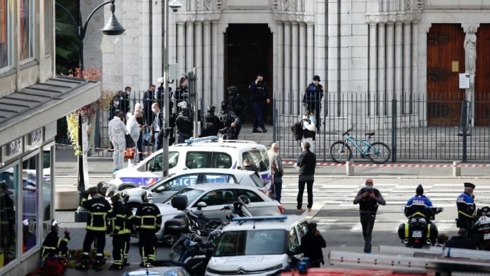 Γαλλία: Ποιος ο δράστης της επίθεσης- Φωνάζε Αλλάχου Άκμπαρ στο ασθενοφόρο